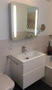 Bad Spülenschrank mit Spiegel
